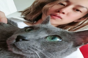 슈퍼주니어 김희철의 반려묘 15살 러시안 블루와 찰칵